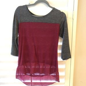French Laundry Gray and Burgundy 3/4 sleeve Top